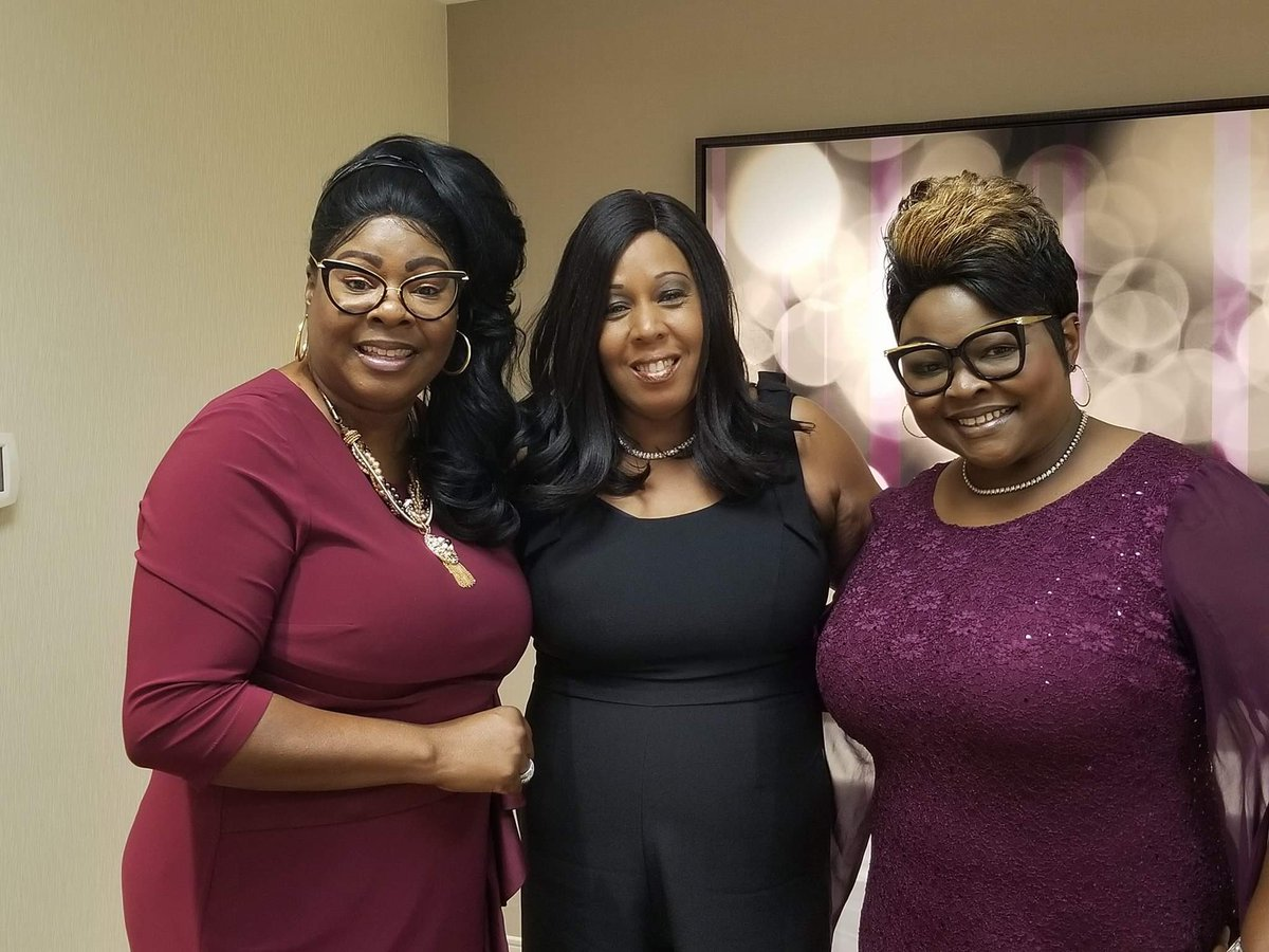 So many great folks in Peoria last night dedicated to fighting against political machine & putting people first. Shoutout from @DiamondandSilk, discussed my campaign to unseat Dick Durbin. Yall heard of #WalkAway? In 2020 were gonna #FightBack for our future. #PeggyForIllinois