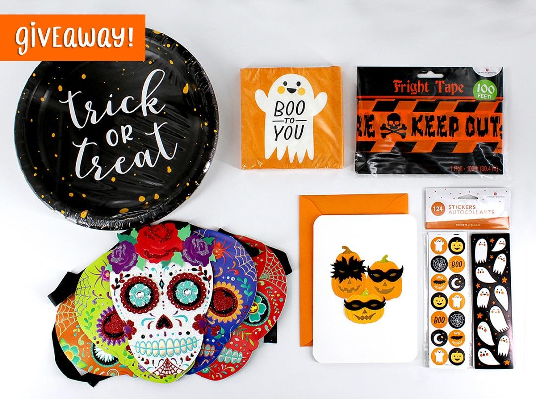 CONTEST ALERT!  What is your favourite candy? Reply & RT for a chance to win this prize!   To be eligible to win, you must reside in Canada. Entry period ends on October 24 at 10am EST. #ContestAlert #Contest #Giveaway #Halloween<br>http://pic.twitter.com/p5vfoS8oiI