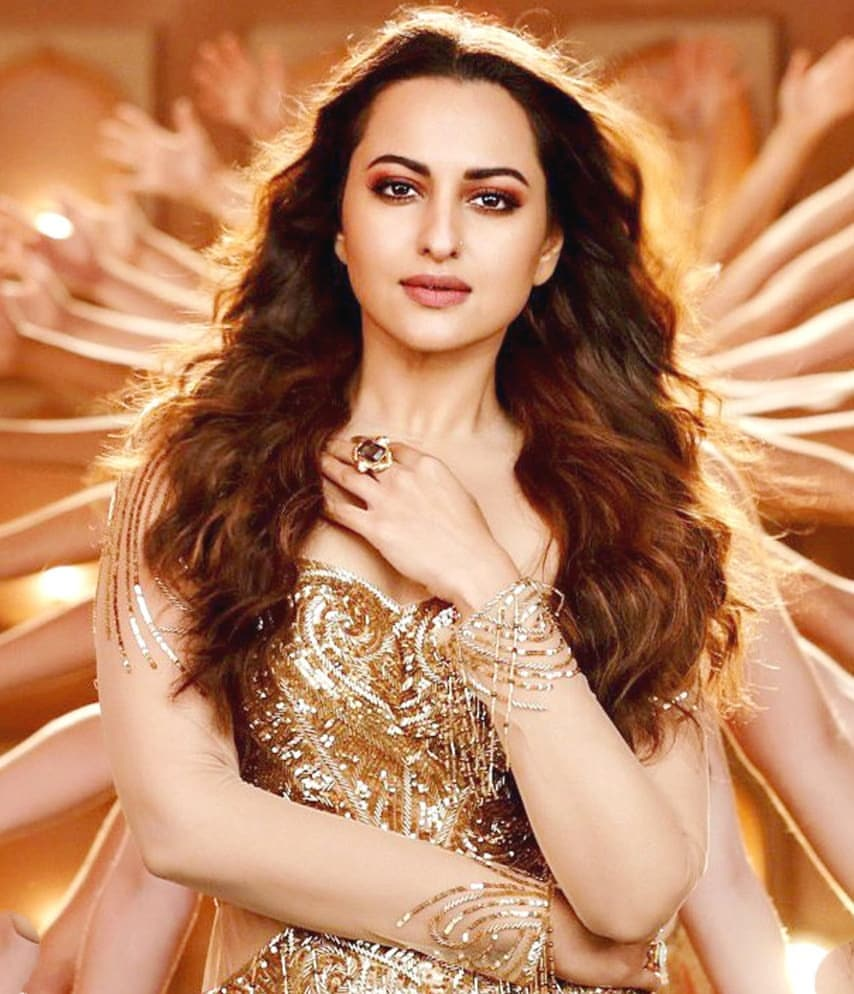 The meaning of word queen is @sonakshisinha  #sonakshisinha #mungda<br>http://pic.twitter.com/zK8zr4jZsj