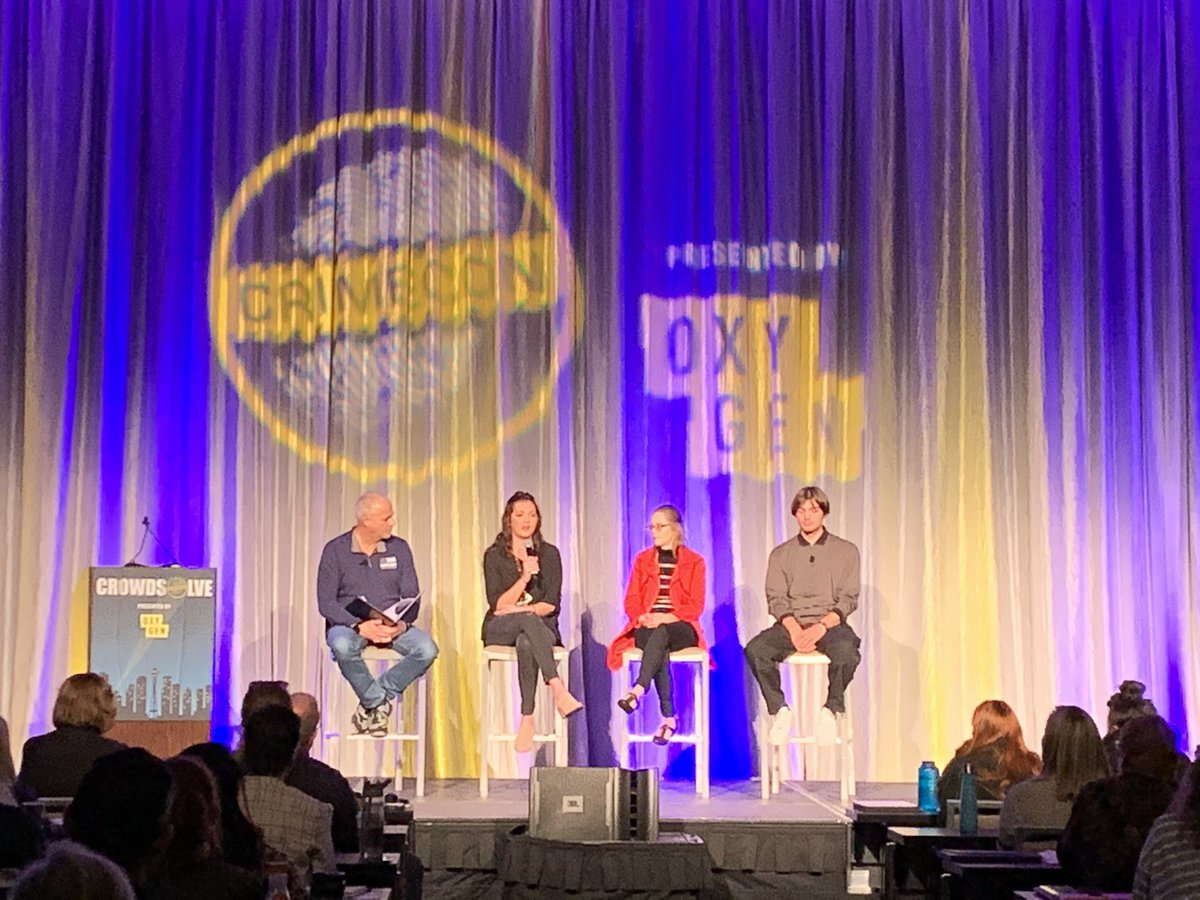 """CrimeCon on Twitter: """"Karen Bodine's children take the stage to tell  CrowdSolve Investigators about their memories of their mother and their  reactions to her death. Amazingly brave. #crowdsolve #crimecon…  https://t.co/pt4PGEd6Qo"""""""