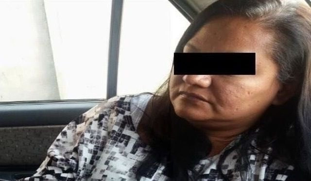 SE PRESENTA como NUEVA FISCAL de @PGJDF_CDMX, una EX PRESIDIARIAEs Alicia Érika Molina Carranza.En 2016 fue DETENIDA así.Un juez ordenó encarcelarla acusada de saquear un inmueble asegurado.Ayer se presentó como la NUEVA FISCAL de IZTAPALAPA, en lugar de José Escobar Plata.