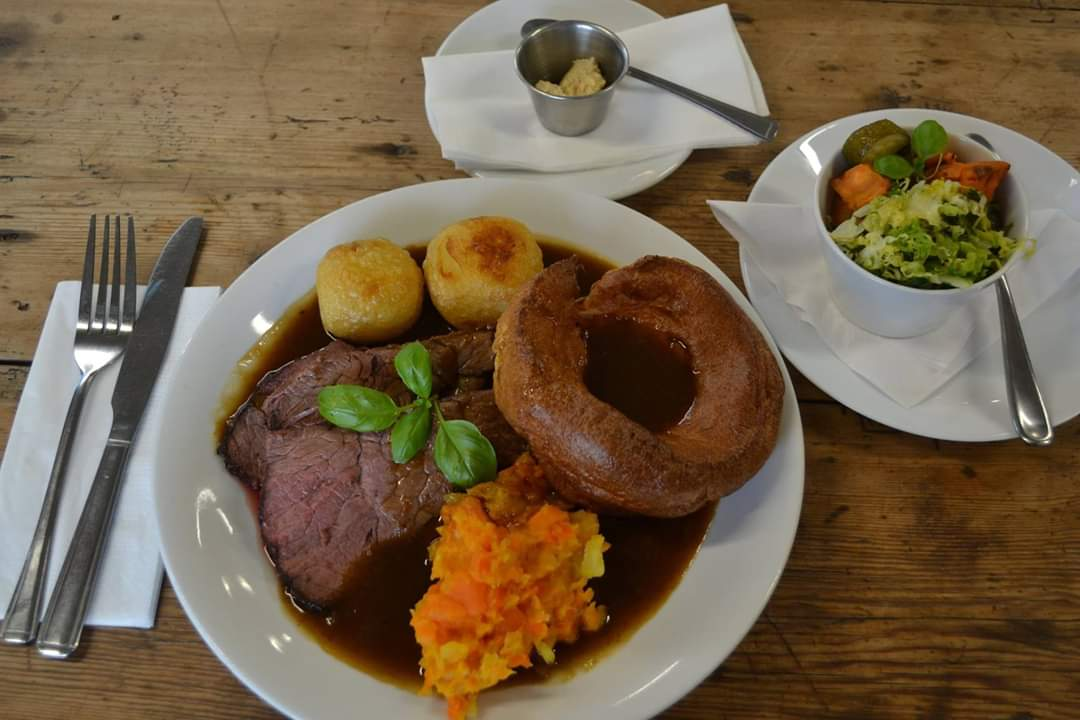 Sunday lunch tomorrow ... one of our favourite meals of the week. Have you made plans yet? why not come and see us and let us do all the hardwork for you. Ring 01833 630619. #sundaylunch   on the A66 opposite B6277 junction to Barnard Castle <br>http://pic.twitter.com/Twf9AfPkx2