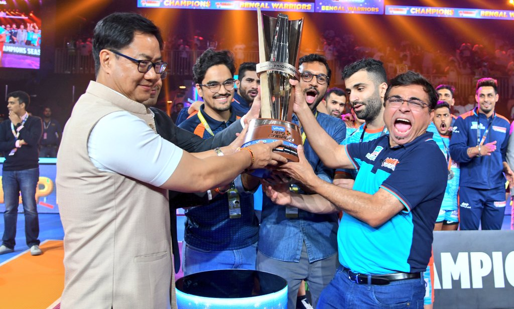 It's proud moment for India that our own Kabaddi has grown big! The successful VIVO Pro-Kabaddi League has truly become global🇮🇳! Hearty congratulations to BENGAL WARRIORS for winning the Championship title and DELHI DABANG for giving a tough fight in the final.