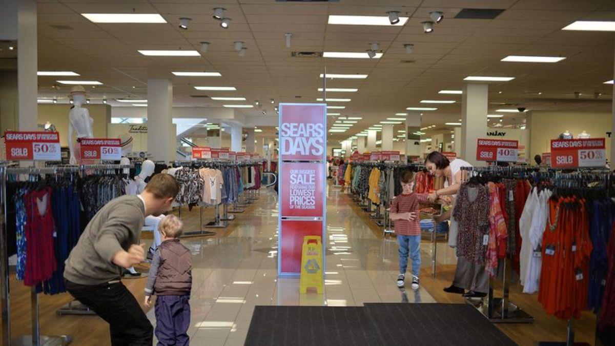Everyone In Sears Spanking A Child https://trib.al/MDaDmS7