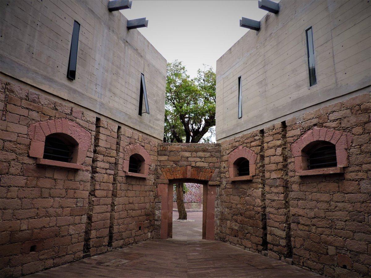 ¿Sabías que el @CEARTSLP albergaba a la antigua penitenciaria del estado? Te invitamos a conocerlo 👇