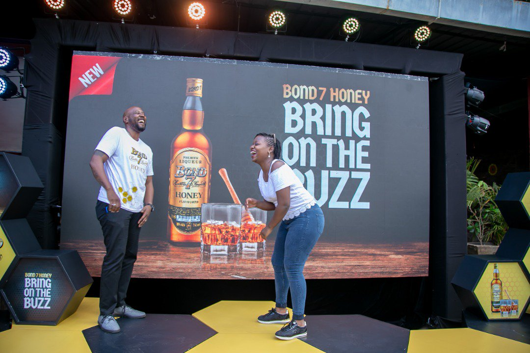 Somebody here has been camping in my DM for a week now asking for a bottle of Bond 7 honey whisky but i am also a poor man.  Guess the tweep. #BringOnTheBuzz<br>http://pic.twitter.com/3xIIeYzbTI