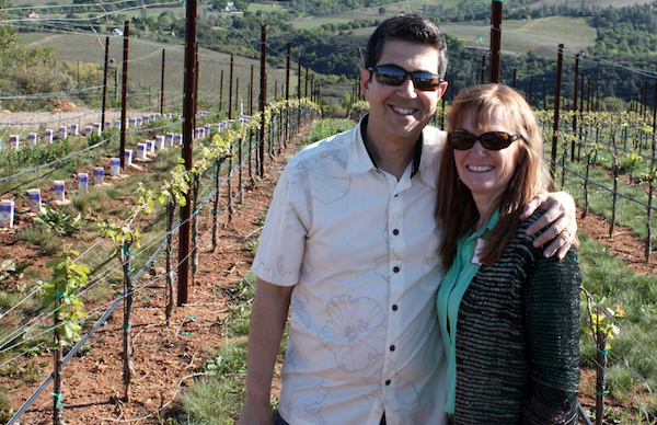 Founded by Chief Wine Angels Randy & Patty Haykin, the mission of Entrepreneur Wines is to positively impact 50 million underprivileged and under-served children in the next 5 years. How do they do that? Watch our interview:  http:// bit.ly/entrepreneur-m t-veeder-cab12  …  #wine #givingback @GratitudeNet<br>http://pic.twitter.com/VVdUhygZzH