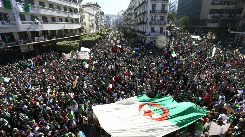 You all thought the Arab Spring was over.  Almost nine years later, the people of Algeria, Sudan, Egypt, Iraq, and Lebanon remind us all that they're not yet tired of standing up to corrupt dictators. <br>http://pic.twitter.com/QQsd1aVDpO