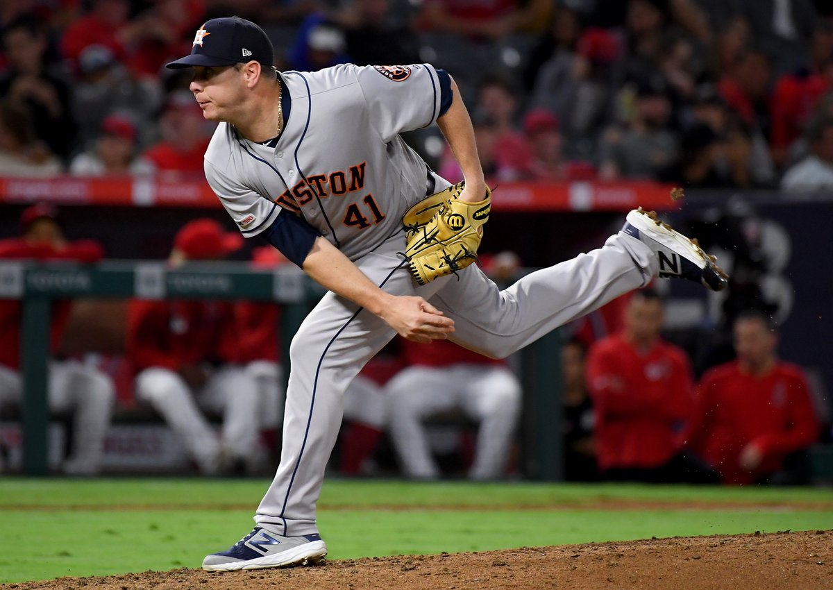 """Brad Peacock has been announced as the Astros' starter for tonight, becoming just the 4th pitcher to finish a Postseason game then start the next day on 0 rest.   - 1924 WS: Firpo Marberry (Senators) - 1910 WS: Mordecai """"Three-Finger"""" Brown (Cubs) - 1906 WS: Doc White (White Sox) <br>http://pic.twitter.com/foLHkH9wNl"""