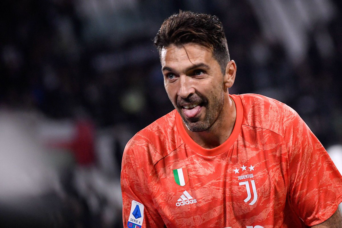 Juventus Extends the Contract Of Buffon And Chiellini