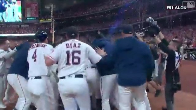 Jose Altuve keeps jersey on after winning ALCS with homer