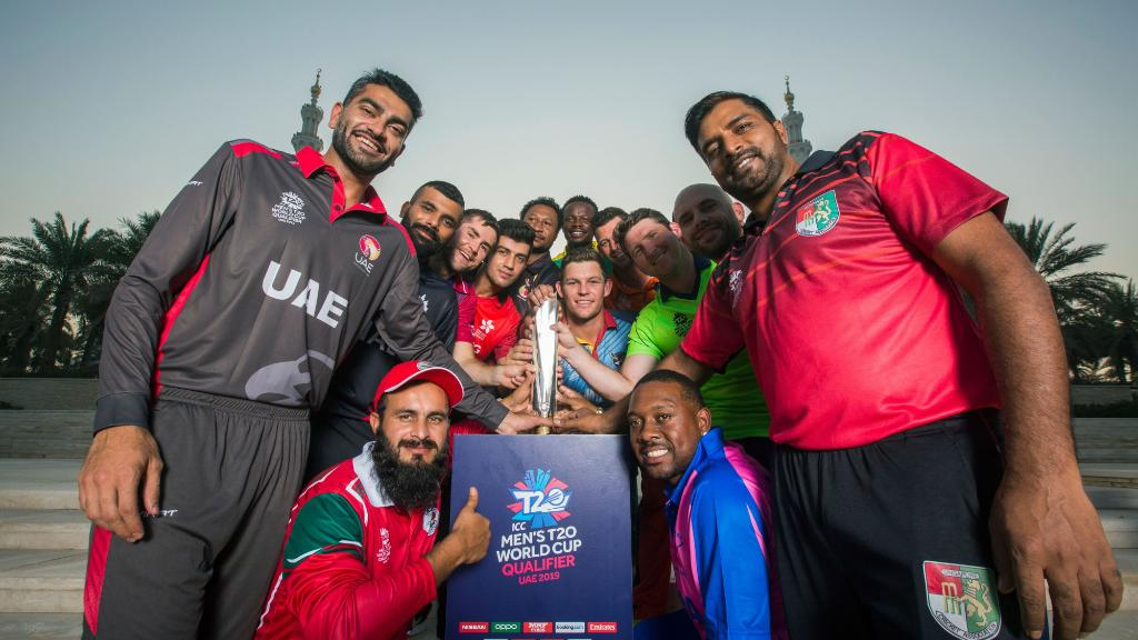 #T20WorldCup Qualifier – Day 3️⃣Match 10 ➝ Papua New Guinea v Namibia, DubaiMatch 11 ➝ Canada v Jersey, Abu DhabiMatch 12 ➝ Bermuda v Singapore, DubaiMatch 13 ➝ Hong Kong v Oman, Abu DhabiGive us your predictions for the four games 👀