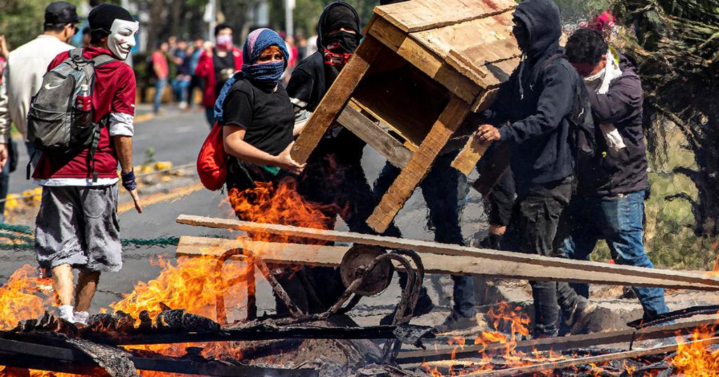Santiago, Chile declares state of emergency after more than 160 people were injured in violent protests over subway fares  https:// cbsn.ws/2nZubxi    <br>http://pic.twitter.com/X2Ebo5Bsd2
