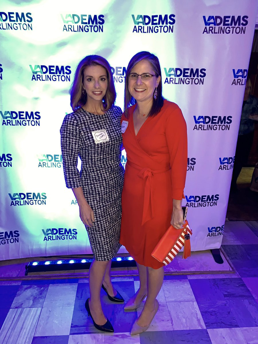 Last Virginia stop: The @arlingtondems gala in Arlington. It was an honor to talk about how we're working to elect a gun sense legislature in the state in just 16 days. These Virginia women - many of whom are @MomsDemand volunteers - are now a powerhouse in the statehouse. #valeg