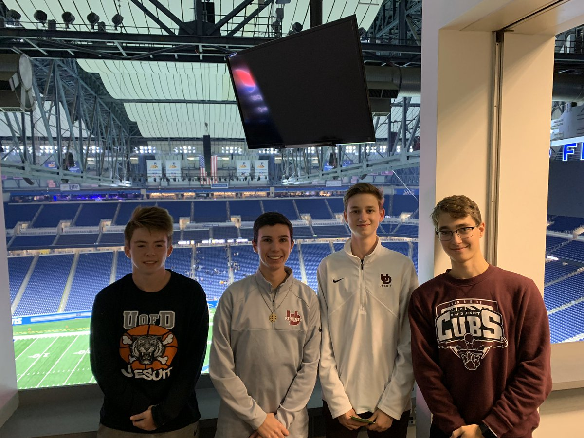 Solid night of broadcasting with these U of D Cub Sportscasters down at @fordfield for the @CHSL1926 Prep Bowl. What a fun experience for these guys and myself to be able to really feel official and broadcast from the press box. #gocubs<br>http://pic.twitter.com/iNUM2nSqzY
