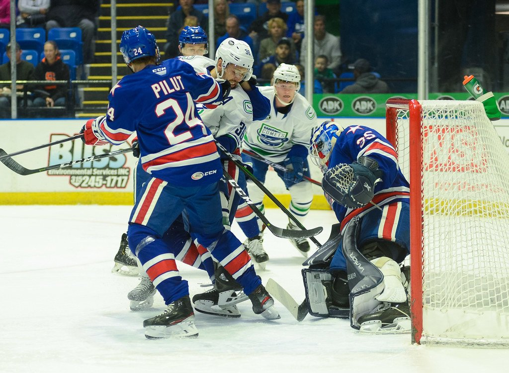 Amerks fall to Comets