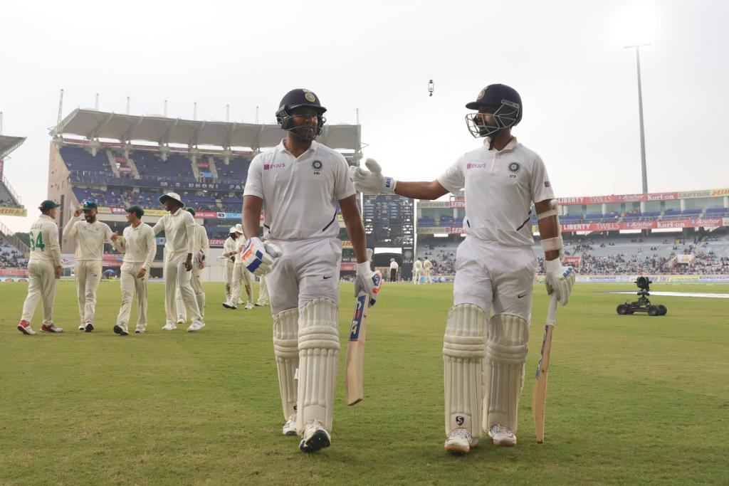 Rohit Sharma and Ajinkya Rahane take guard for India on day two of the final Test against South Africa.The hosts are 224/3. Rahane is 17 runs short of an 11th Test century 💯Follow #INDvSA LIVE 👉http://bit.ly/IndvsSA6