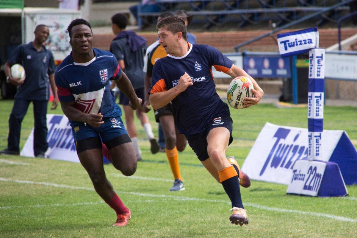 EHTfZKeX0AAs_wT School of Rugby | Hentie Cilliers - School of Rugby