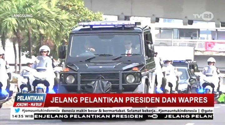 Iring-iringan kendaraan yang membawa Presiden RI terpilih periode 2019-2024 bpk. @jokowi  #jomauntukindonesia https://t.co/o8xI16UHwK