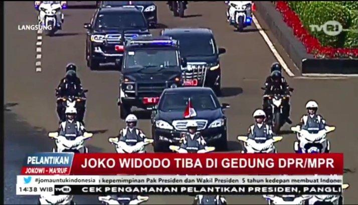 Presiden RI terpilih periode 2019-2024 bpk. @jokowi tiba di gedung DPR-MPR #jomauntukindonesia https://t.co/UkGcE0pg4i