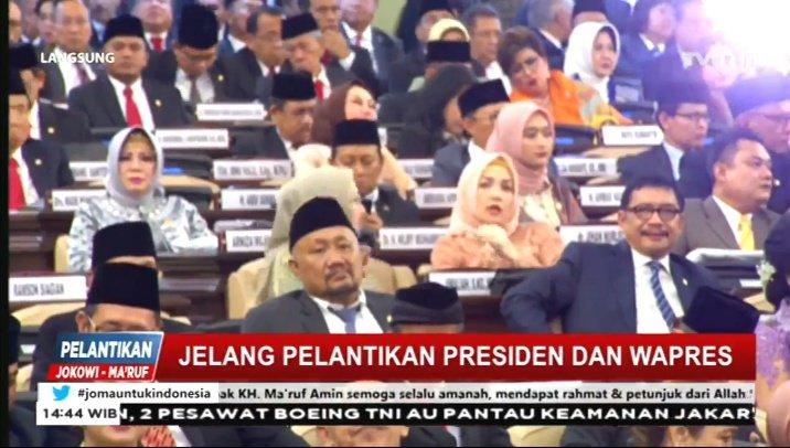 Jelang pelantikan Presiden dan Wapres RI... #jomauntukindonesia https://t.co/ttLe7dUu0o