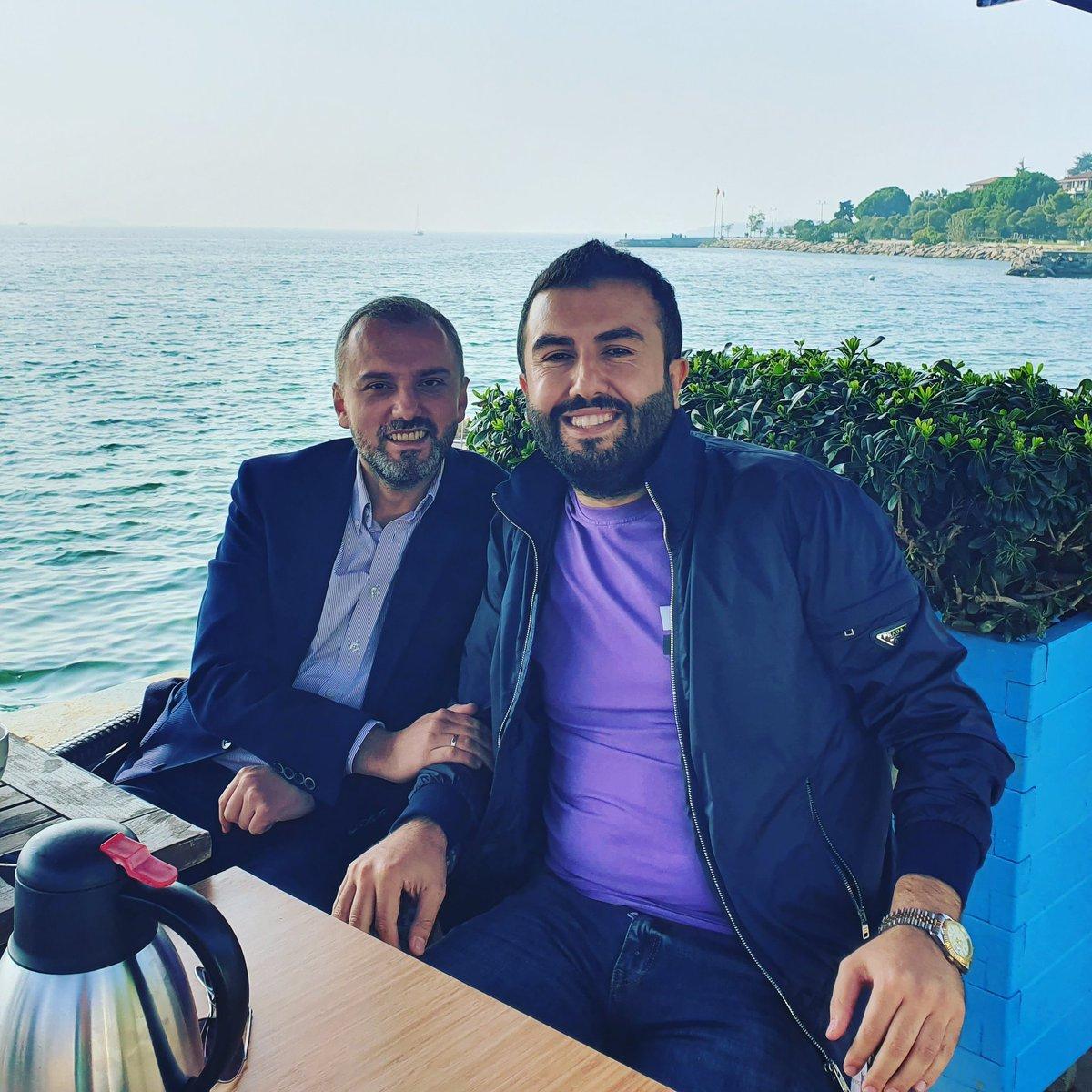 Ak Parti Genel Başkan Yardımcımız Teşkilat Başkanımız değerli dostum Sn @erkankandemir ile gündeme dair sohbet etme fırsatı bulduk.Kendilerine çok teşekkür ederim..@vedatdemiroz https://t.co/6eCJ8NF8yS