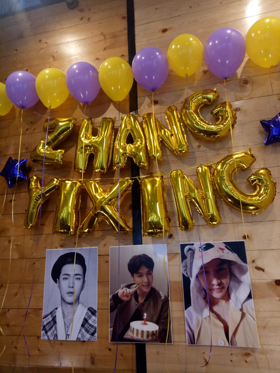 Celebrated Yixing's birthday with @LuckyOneCebu today! I met old and new kpop friends today and I finally got my Baekhyun Bucket Hat from @morningcallph  Belated happy birthday, @layzhang #WouldYouBeMyHoney #OneSweetDayWithLay #HoneyLayDay #HappyYixingDay #HappyLayDay pic.twitter.com/eFLAMtTXrz