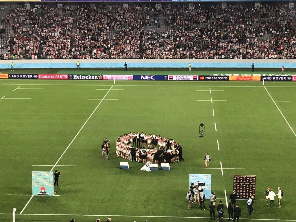 ラグビーワールドカップ日本大会準々決勝 日本3-26南アフリカ日本の挑戦が終わりましたリーチ・マイケル・キャプテンは円陣で「下を向くな、胸を張ろう、これからの態度、姿勢が大事だ」と伝えたそうです#RWC2019