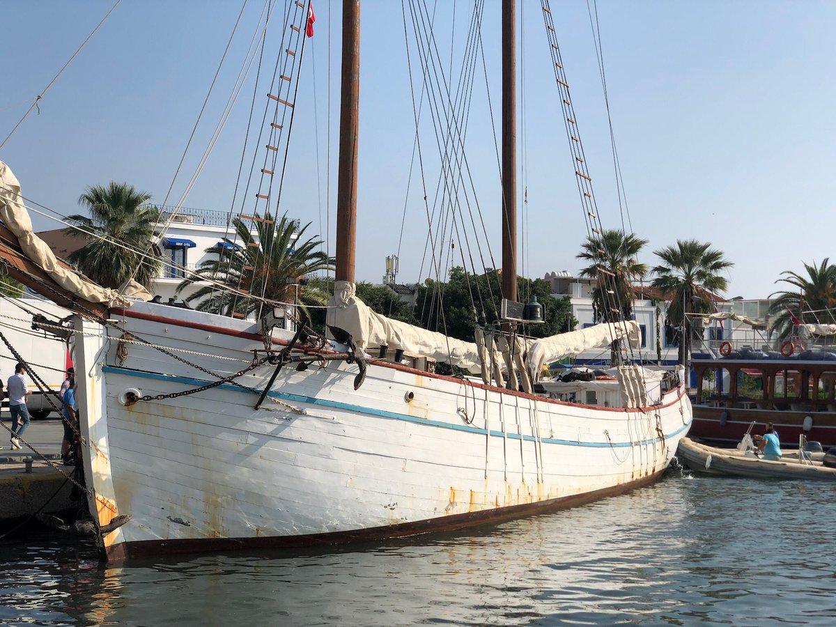 Burası Bodrum on Twitter: &ampquotİlhan Koman&#39ın 1986 yılına kadar ev ve atölye  olarak kullandığı, 114 yaşındaki muhteşem tekne Hulda biraz önce Bodrum  limanına aborda oldu. Yazın Bitez&#39de alargada duran bu güzel tekne
