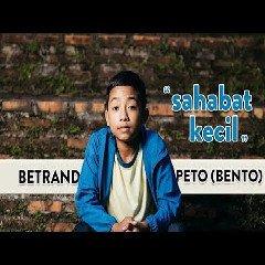 5 89 MB) Download Lagu Betrand Peto - Sahabat Kecil Mp3