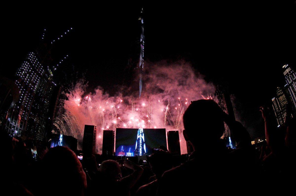 Global superstar Mariah Carey performs during the Countdown of #Expo2020   at Burj Park in #Dubai (KT/Juidin Bernarrd)  https:// bit.ly/32yfqAD    <br>http://pic.twitter.com/9W42Qrgkwc