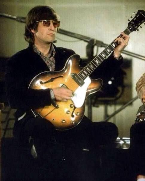John Lennon, promotional video of Paperback Writer, May 1966 - #TheBeatles via @SgtPepper1710