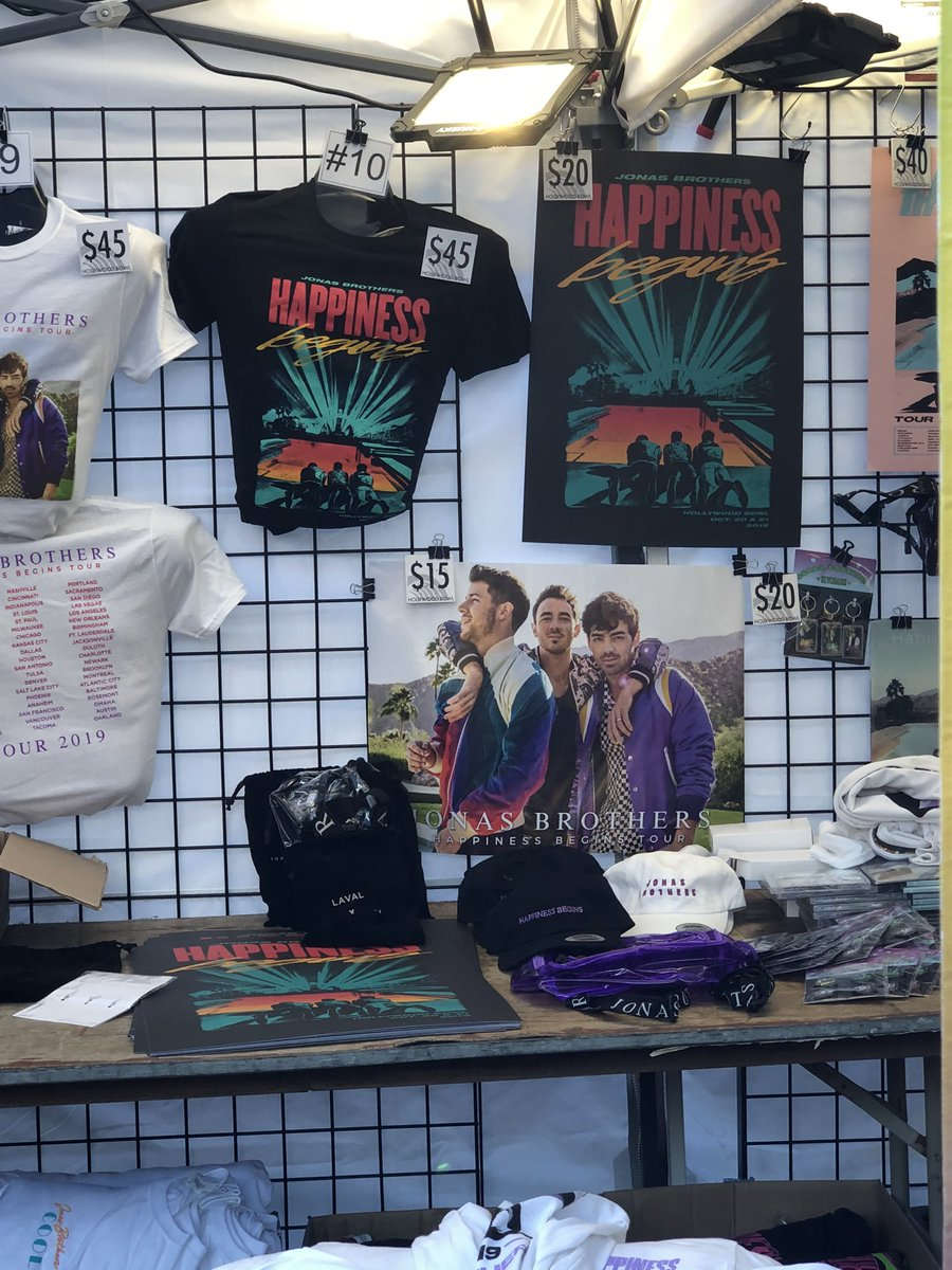 Exclusive merch for the Hollywood Bowl shows!! @jonasbrothers @HollywoodBowl