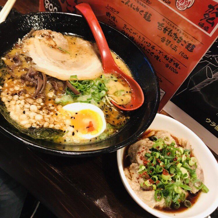 ラーメン🍜、鉄なべ餃子🥟、水炊き、もつ鍋🍲、、、博多は食べ物もとても美味しいです🥰11月9日〜博多座でお待ちしています!!チケット受付中です🎫#AKB48 #仁義なき戦い #博多座