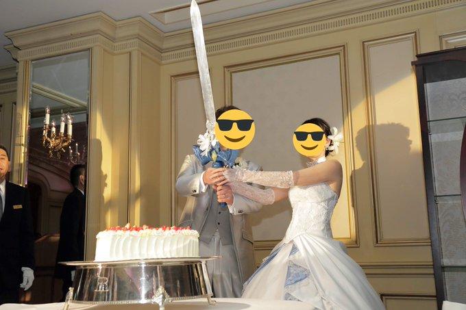 結婚式でケーキ入刀用にマスターソードを自作した勇者な新郎さん
