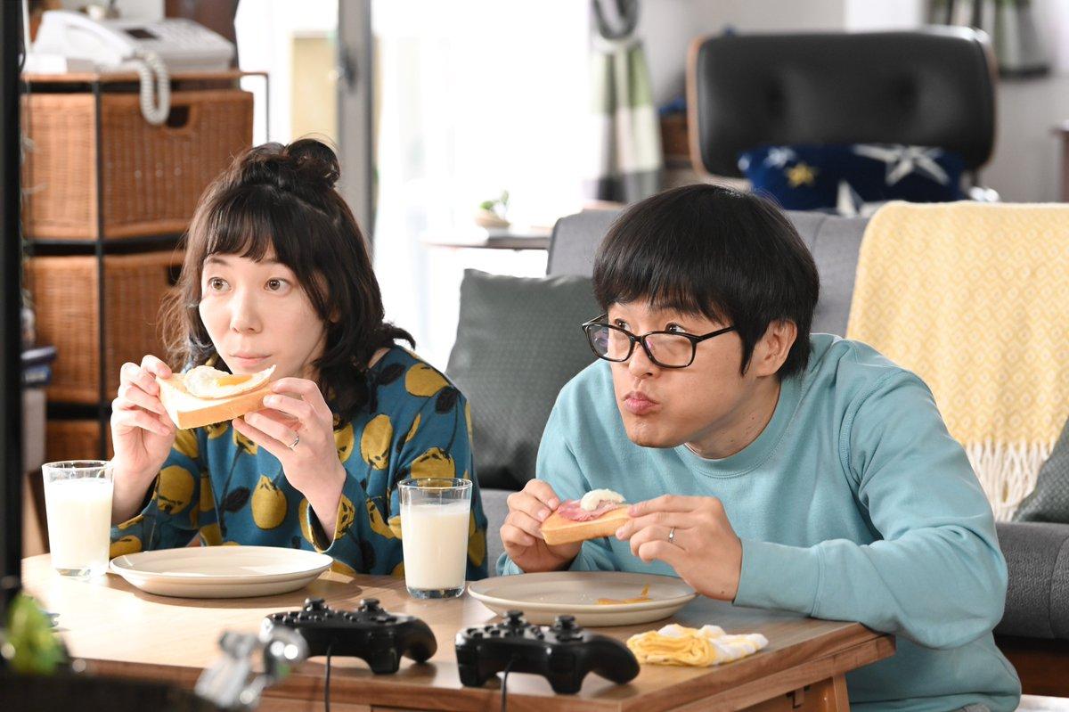 生田家がテレビの中に⁉️突然登場したこの夫婦は⁉️不思議な体験を #TVer でもう一度✨👉さらに❗️明日から #緑山家の朝 は朝6時から #TVer にて先行配信します👀ぜひご覧ください🌼