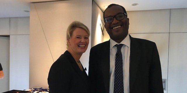 State Secretary Liv Lønnum🇳🇴 met UK Minister of State for @beisgovuk, @KwasiKwarteng🇬🇧 at the #BNEFSummit in London today. Good talks about #gas, #CCS and #energytransition. #ukandnorway