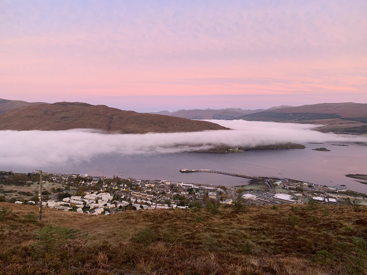 Stunning #inversion over Fort William this morning. @eddy_weather