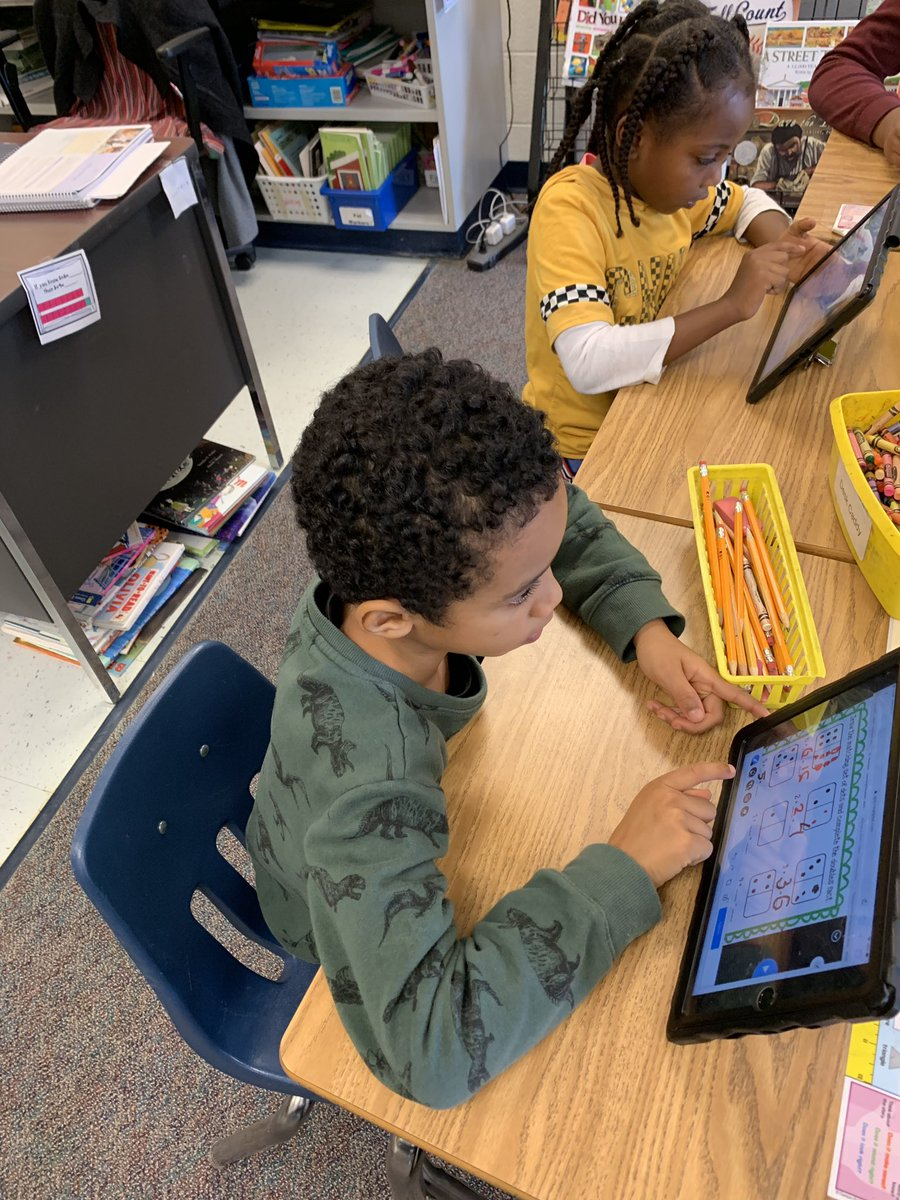 We used <a target='_blank' href='http://twitter.com/nearpod'>@nearpod</a> to learn addition doubles facts, patterns, and strategies. <a target='_blank' href='http://search.twitter.com/search?q=hfbtweets'><a target='_blank' href='https://twitter.com/hashtag/hfbtweets?src=hash'>#hfbtweets</a></a> <a target='_blank' href='http://twitter.com/HFBAllStars'>@HFBAllStars</a> <a target='_blank' href='http://twitter.com/APSMath'>@APSMath</a> <a target='_blank' href='https://t.co/9K0llDNRMs'>https://t.co/9K0llDNRMs</a>