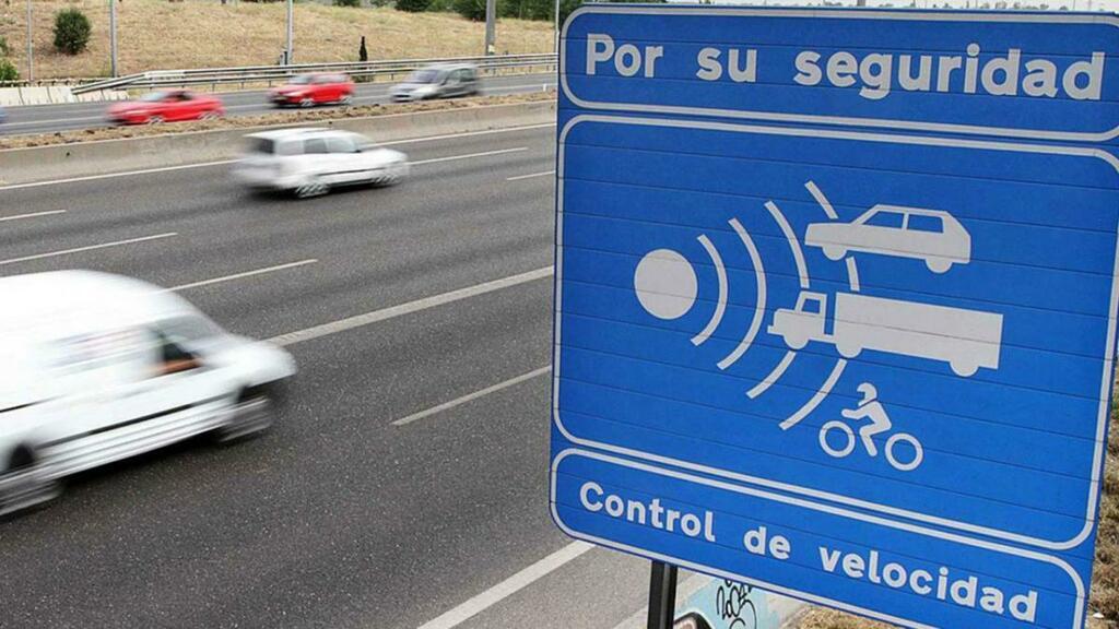 Estos son los 25 radares de la DGT que más multan en España .