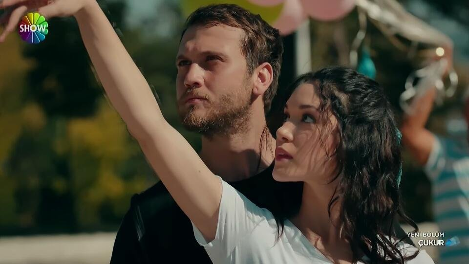 """""""This world is a scene and people are actors who have their own Entrance and Exit""""  #HazalSubaşı #ÇukurS3 #ArasBulutİynemli<br>http://pic.twitter.com/SEFicee2b9"""