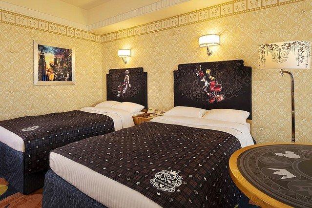 5000RT:【来年1月から】ディズニーアンバサダーホテル、「キングダム ハーツ」ルームが再登場!部屋の扉を開けることができるキーブレードは、宿泊の記念に持ち帰ることができる。