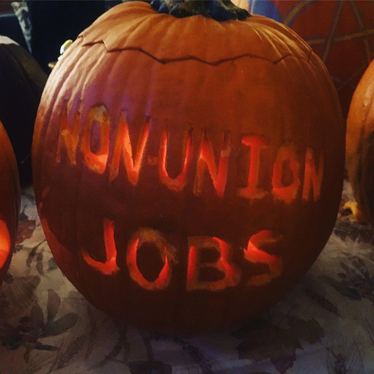 Made a scary pumpkin 🎃