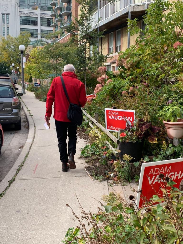 Out in Bathurst Quay reminding people to get out and vote. Remember: Signs don't vote!  Polls are open until 9:30pm across #SpaFY. #elxn43<br>http://pic.twitter.com/71uVTLzL8S