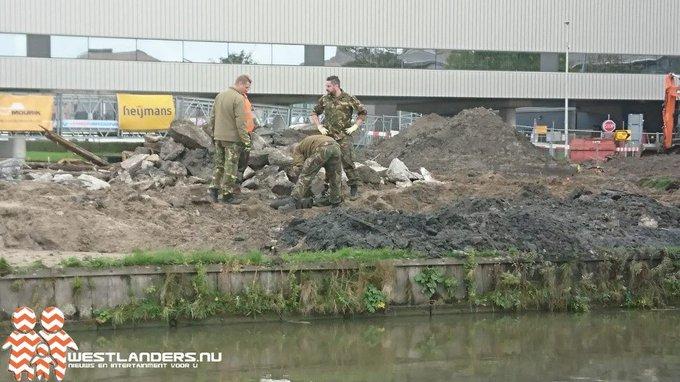 Drie granaten gevonden bij Zwaansheulbrug https://t.co/OxoijuLOEj https://t.co/XV5dwJ4mX4