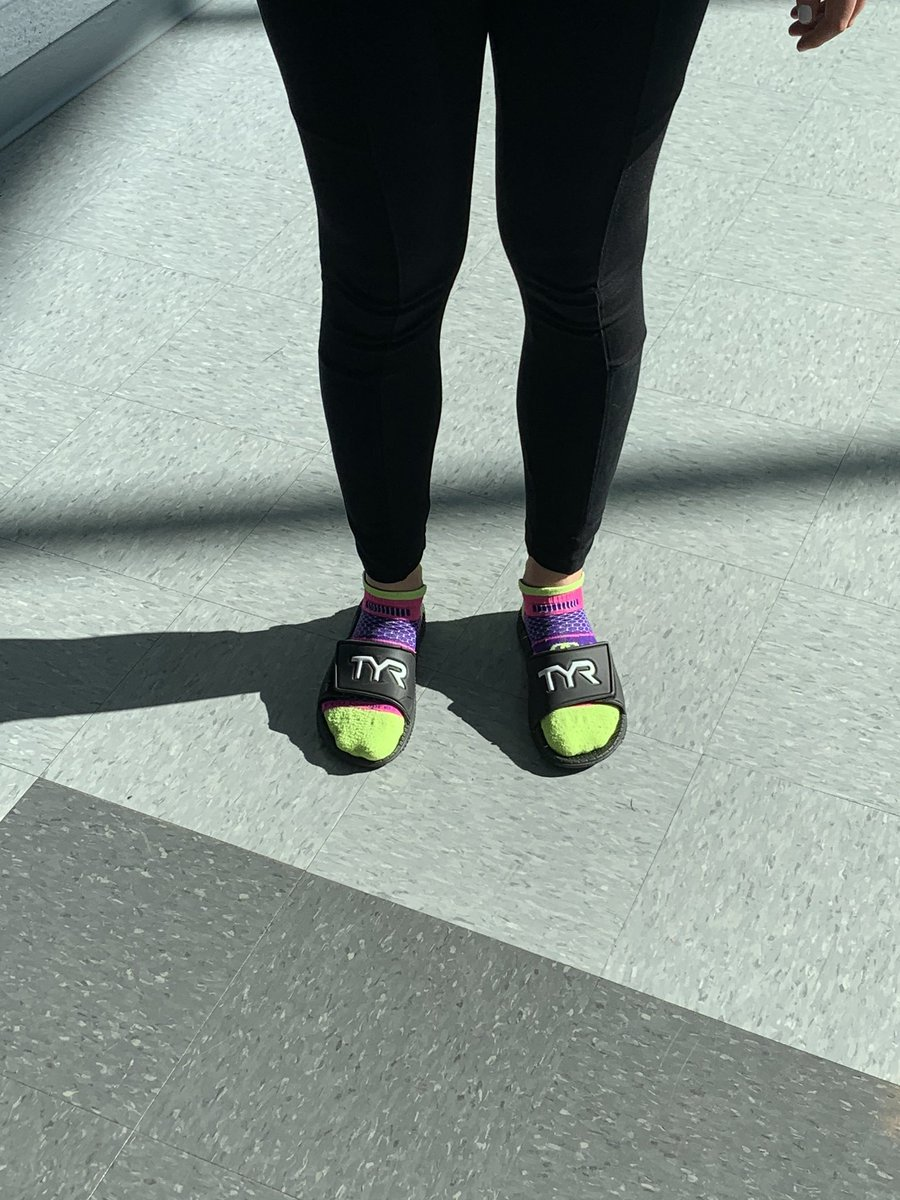 Today at Yorktown: Spirit Week kicks off with socks and sandals! <a target='_blank' href='http://twitter.com/YorktownAPs'>@YorktownAPs</a> <a target='_blank' href='http://twitter.com/YorktownHS'>@YorktownHS</a> <a target='_blank' href='http://twitter.com/Principal_YHS'>@Principal_YHS</a> <a target='_blank' href='http://twitter.com/cmwiedemann'>@cmwiedemann</a> <a target='_blank' href='https://t.co/n2pMZoIZp4'>https://t.co/n2pMZoIZp4</a>