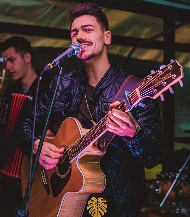 Irmão de Brunna Colossi participará do programa Popstar da Globo https://t.co/46mxi0RHKn https://t.co/JNLsc1LvQ0