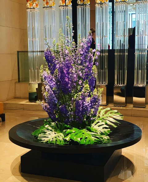 There's nothing like a beautiful floral arrangement by Victoria Whitelaw to brighten up your week 💜🌿☀️ https://t.co/apTPmfn1QF