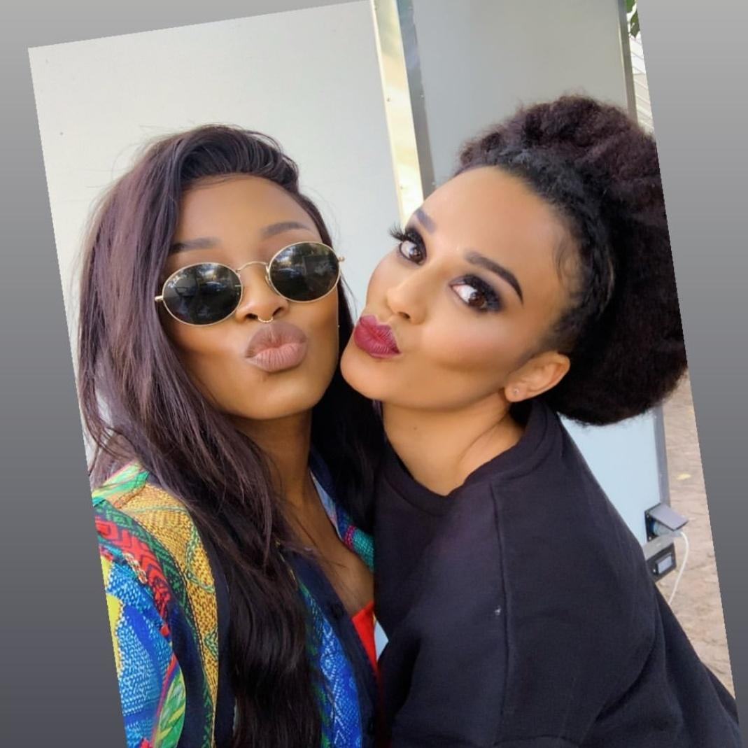 This gnna be me and my bestfriend some day🙏😍😍🤗💐💐 @PearlThusi @DJZinhle cant help but to stan! ♥️