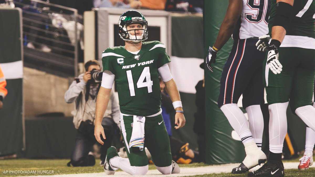 Sam Darnold was seeing ghosts out there tonight 👻 🔸 11/32 Comp/Att 🔸 85 total yards 🔸 5 turnovers